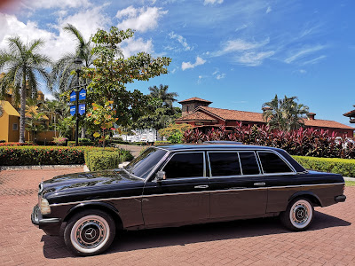 PACIFIC-COAST-COSTA-RICA.-LIMOUSINE-W123-MERCEDES-RIDE.jpg